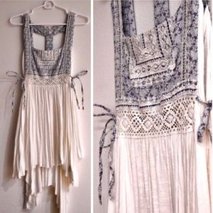 Free People White and Blue Embroidered Top M